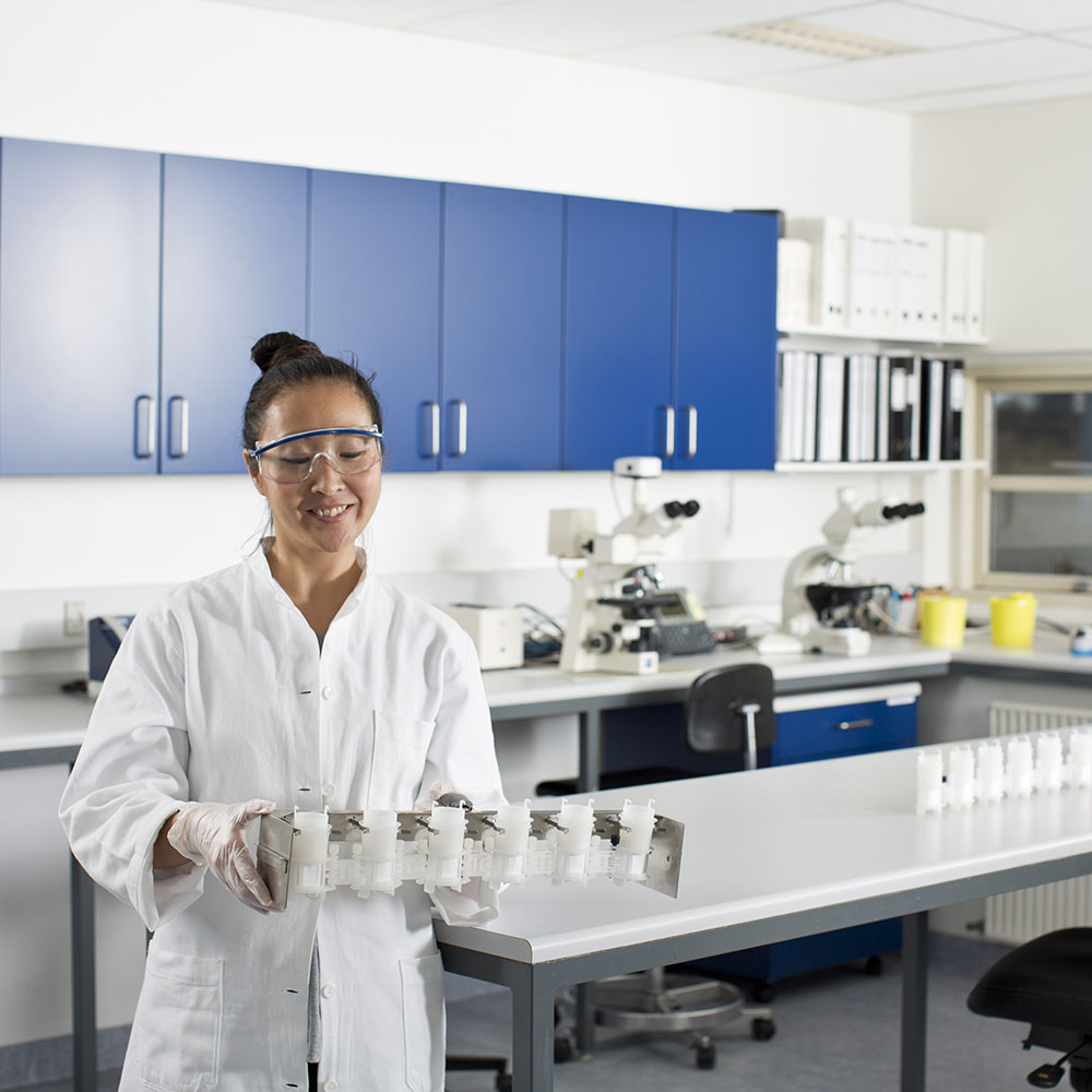 Woman working at the lab